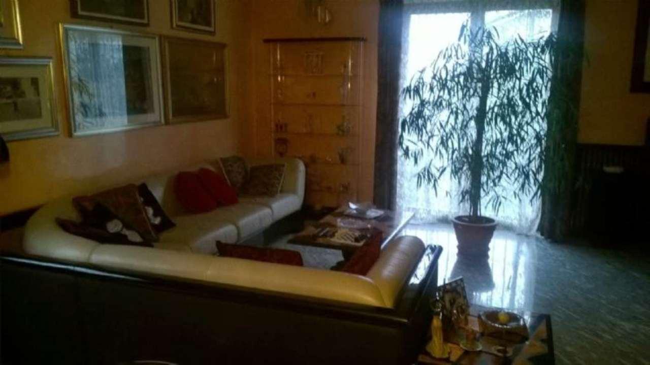 Villa in vendita a Bollate, 6 locali, prezzo € 430.000 | Cambio Casa.it