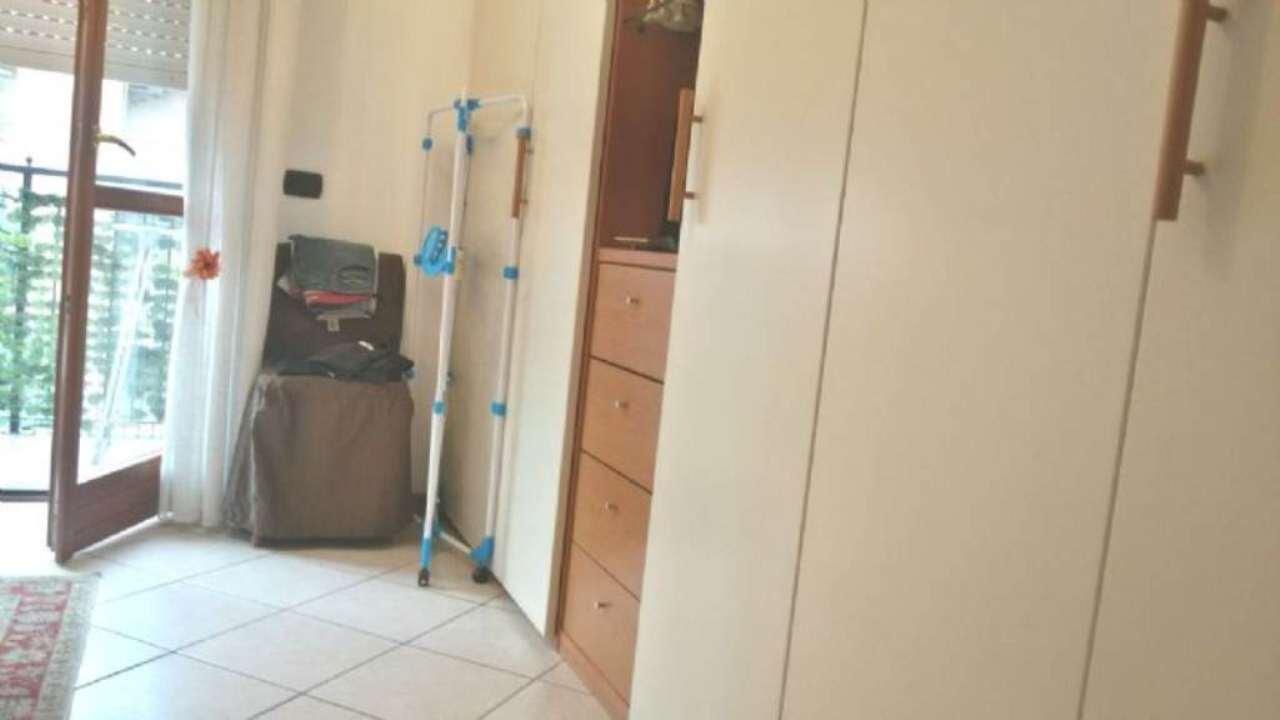Bilocale Milano Via Via Comasina 5