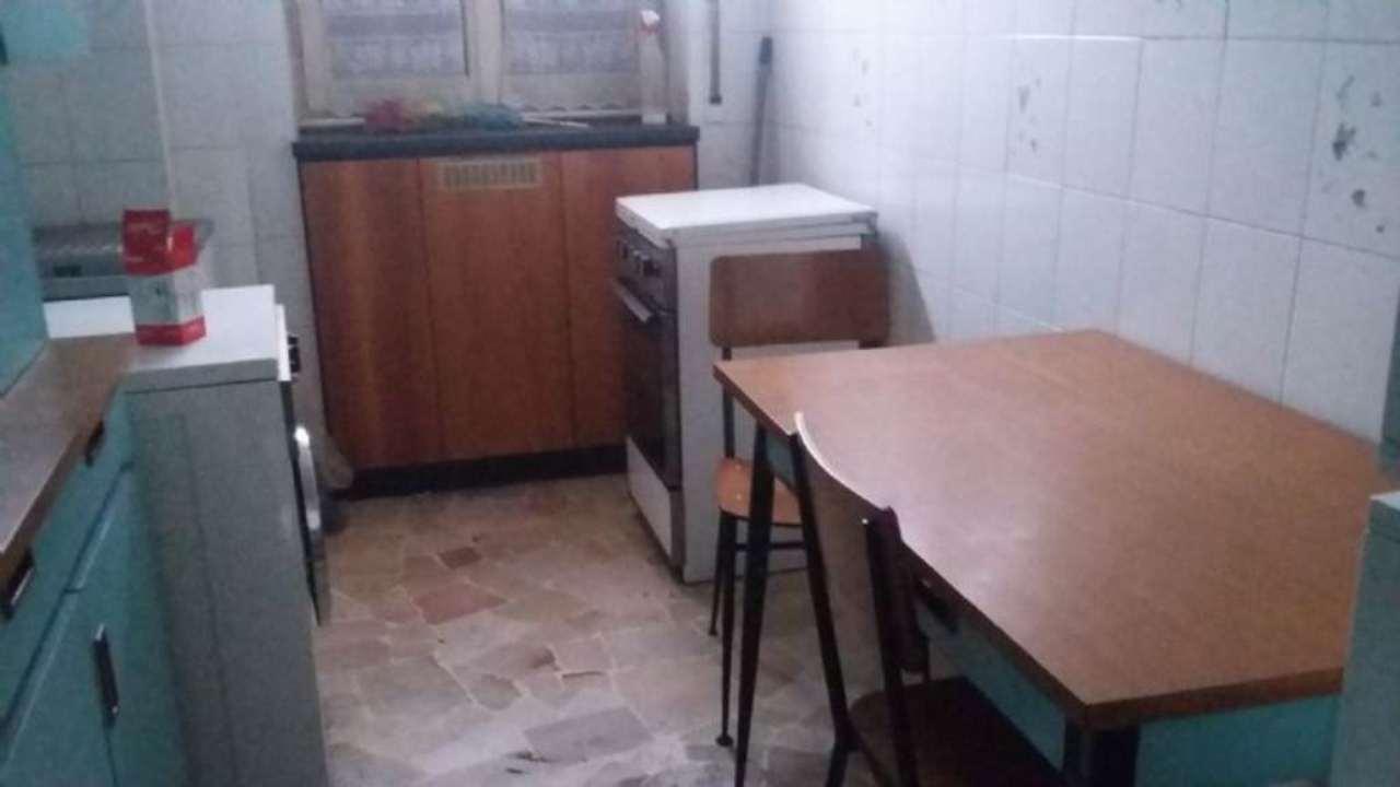 Bilocale Cinisello Balsamo Via Guardi 9