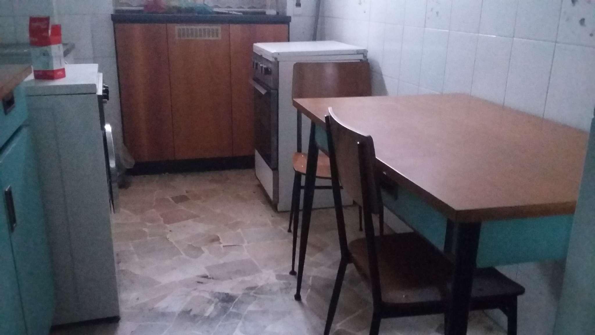 Bilocale Cinisello Balsamo Via Guardi 11