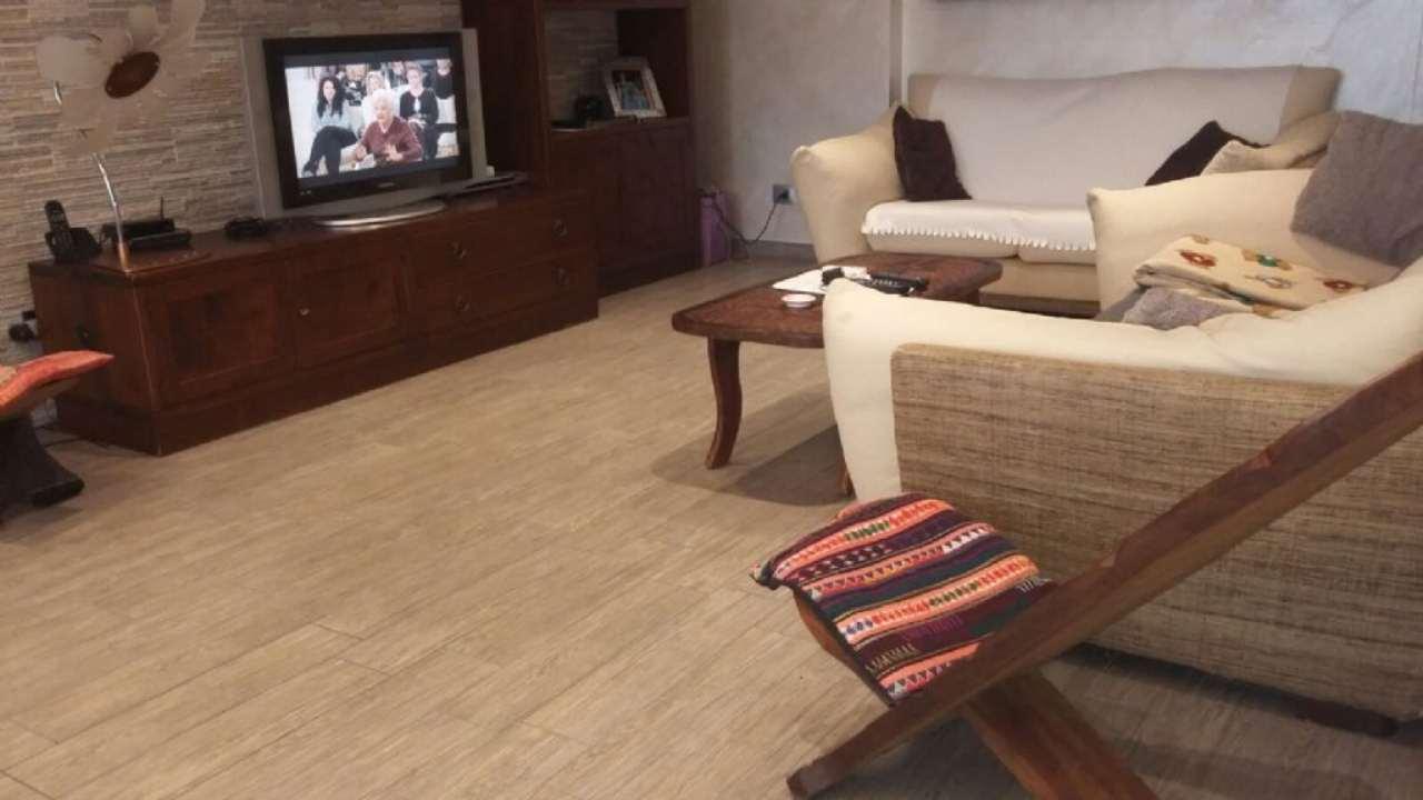 Appartamento in vendita a Nova Milanese, 3 locali, prezzo € 240.000   Cambio Casa.it