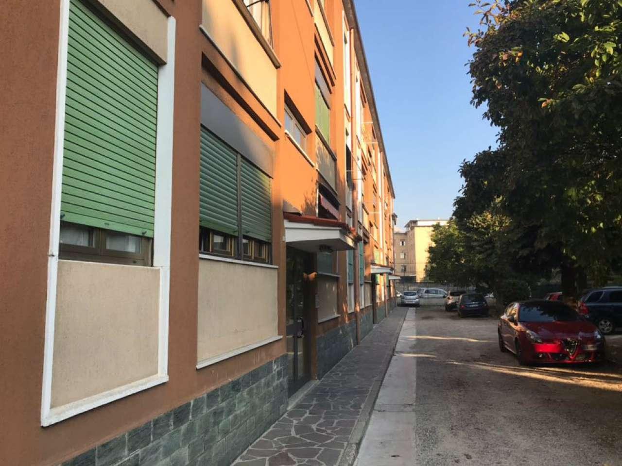 Bilocale Cinisello Balsamo Via Pecchenini 4