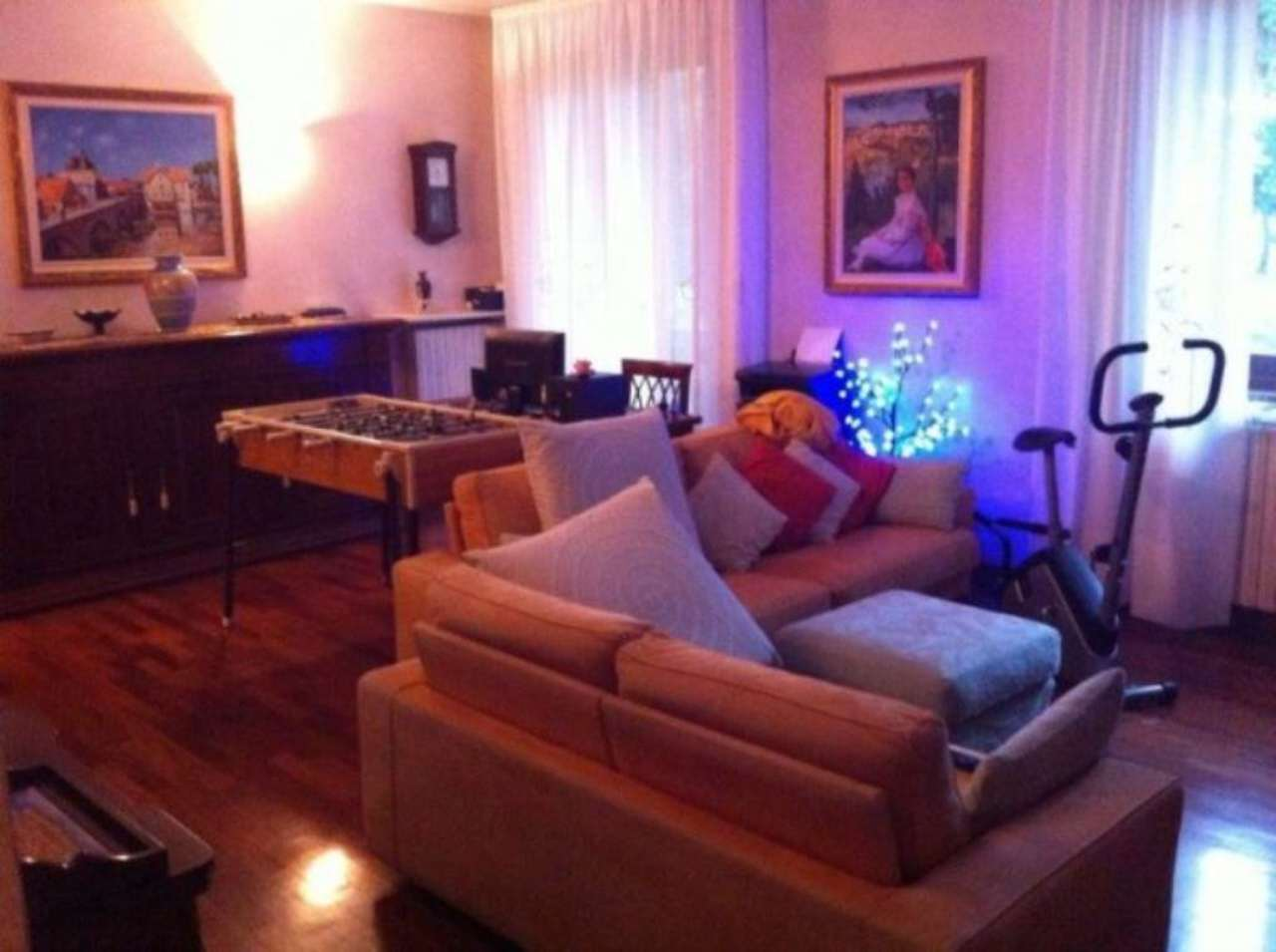Appartamento in vendita a Nova Milanese, 6 locali, prezzo € 345.000 | Cambio Casa.it