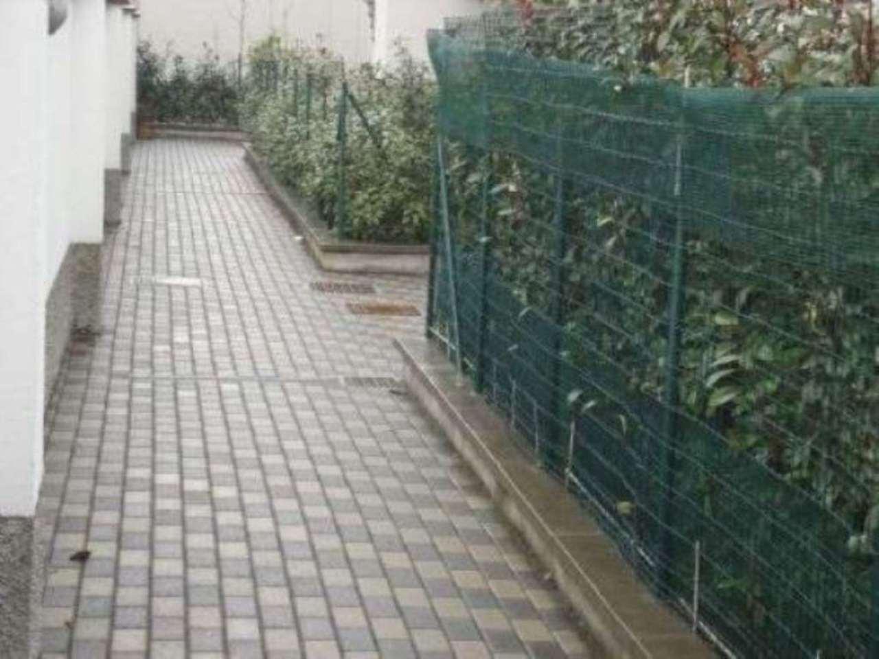 Bilocale Cinisello Balsamo Via Fratelli Rosselli 8