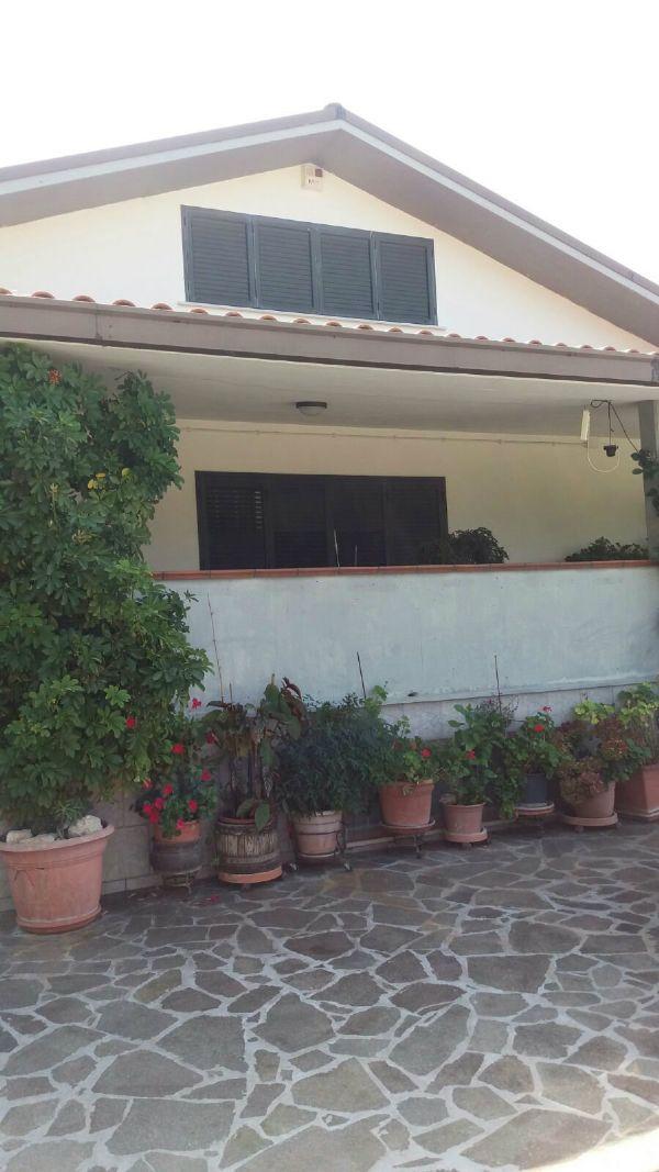 Villa in vendita a Rocca San Giovanni, 12 locali, prezzo € 590.000 | Cambio Casa.it