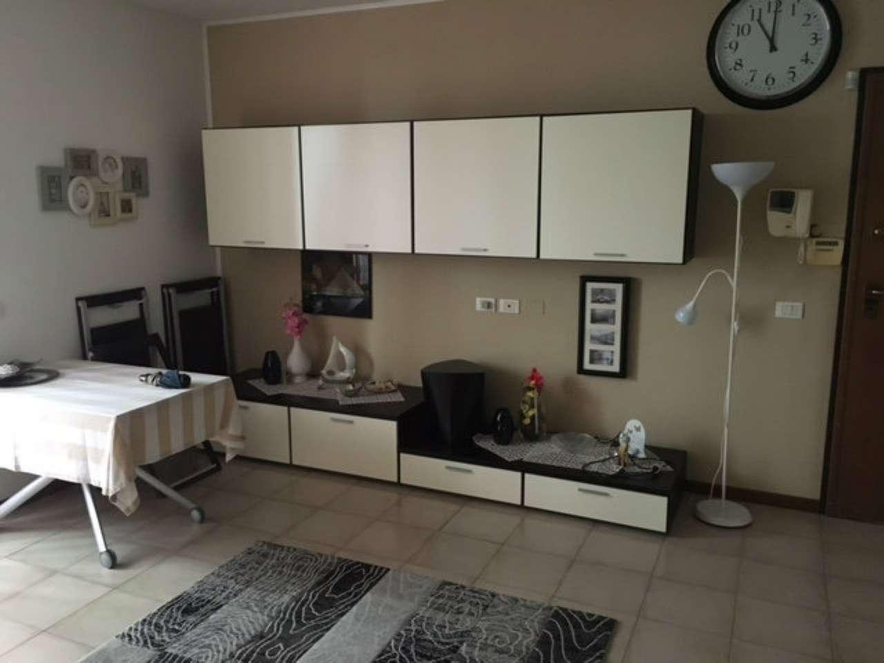 Appartamento in affitto a Carpiano, 1 locali, prezzo € 450 | Cambio Casa.it