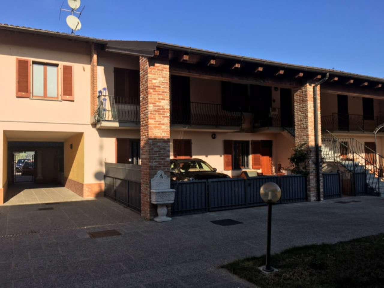 Appartamento in vendita a Linarolo, 3 locali, prezzo € 98.000 | Cambio Casa.it