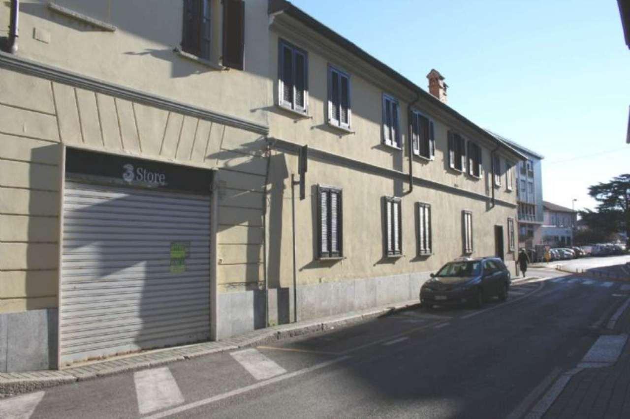 Negozio / Locale in affitto a Cesano Maderno, 2 locali, prezzo € 700 | Cambio Casa.it