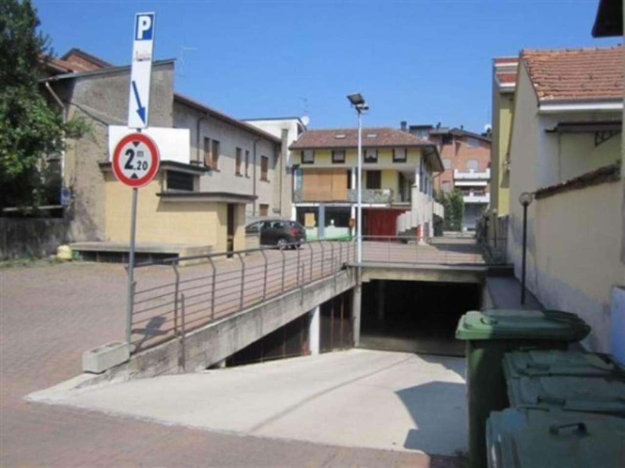 Negozio / Locale in affitto a Cesano Maderno, 4 locali, prezzo € 2.500 | Cambio Casa.it