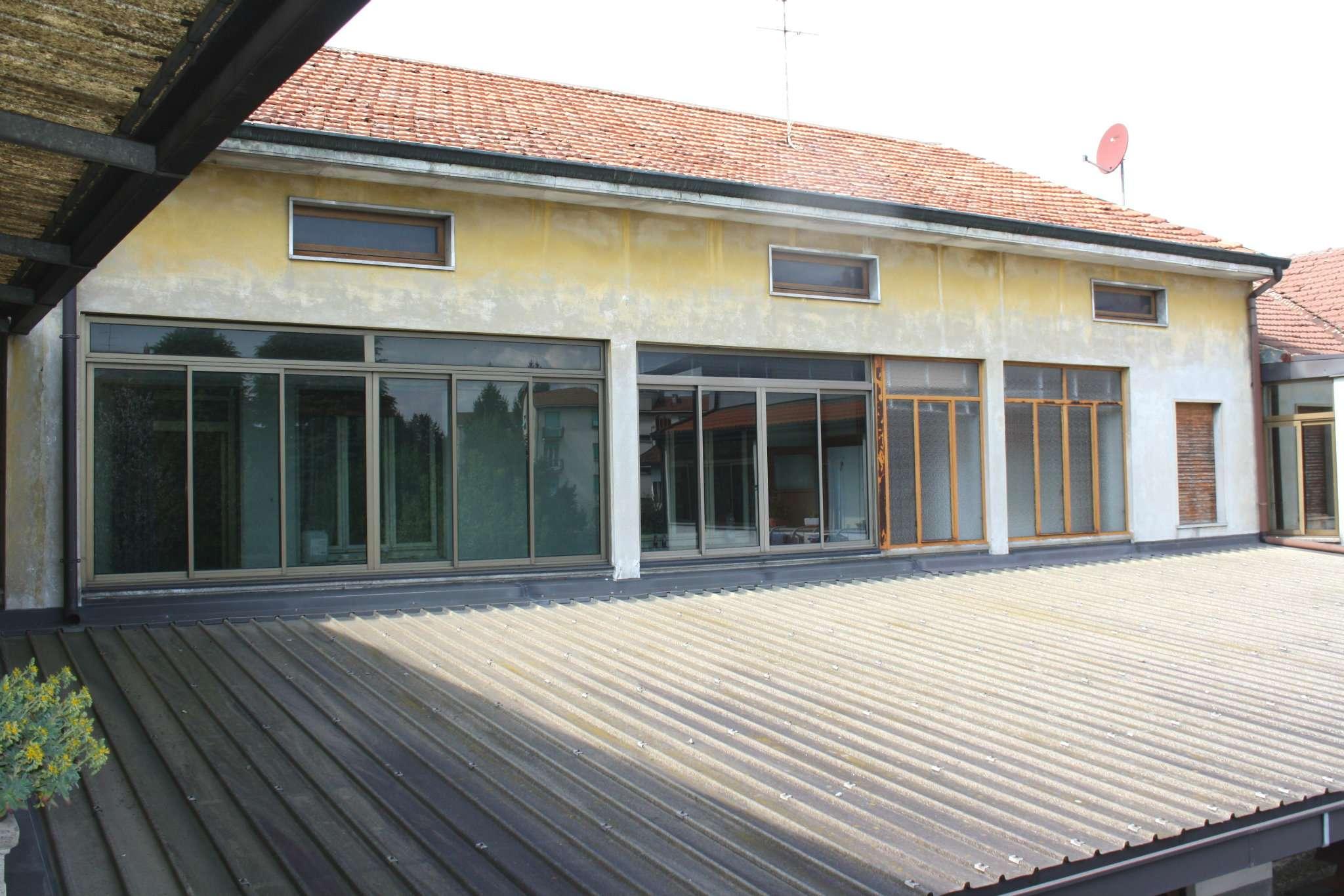Rustico / Casale in vendita a Cesano Maderno, 3 locali, prezzo € 95.000   Cambio Casa.it