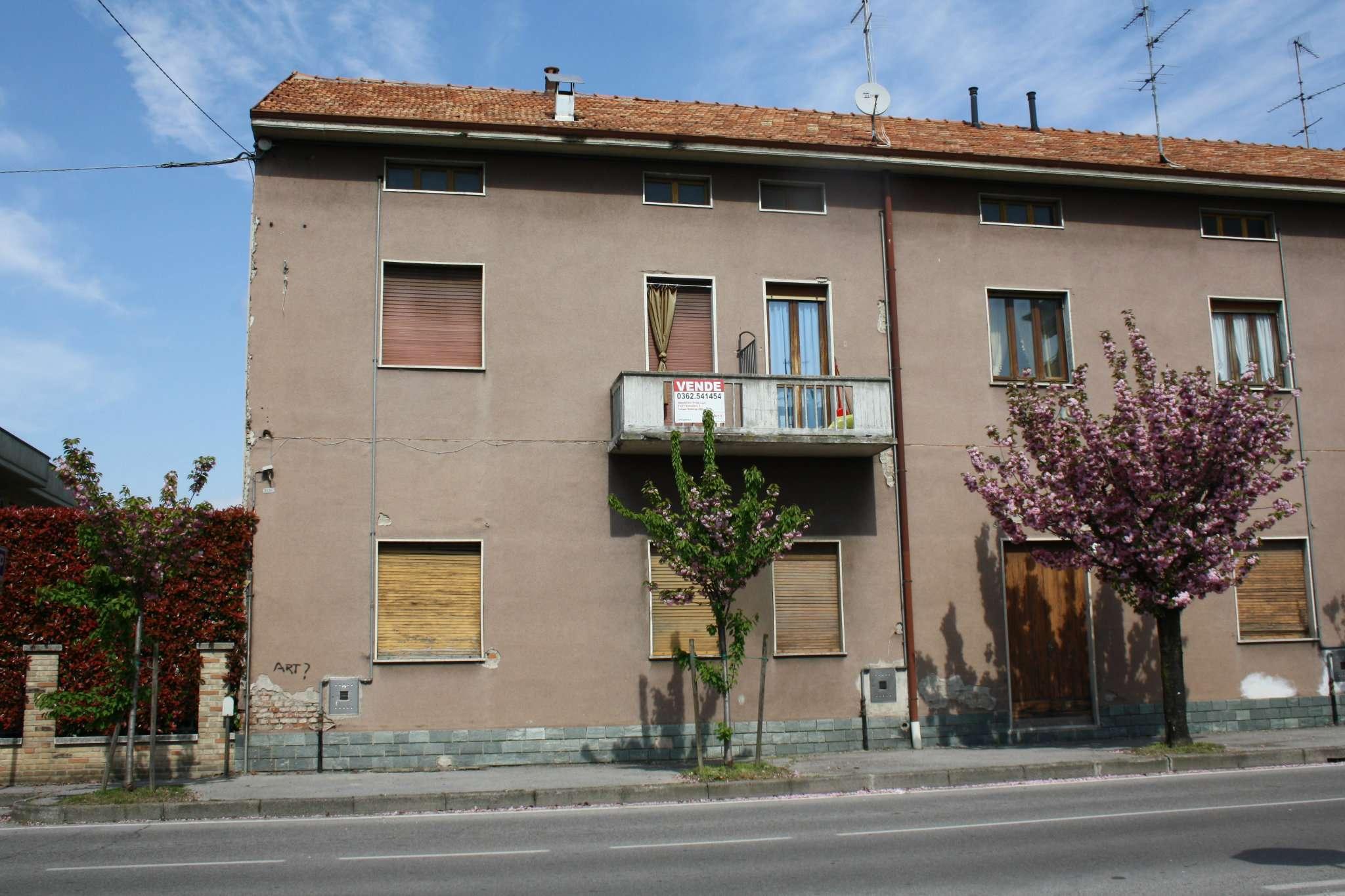 Rustico / Casale in vendita a Cesano Maderno, 3 locali, prezzo € 118.000 | CambioCasa.it