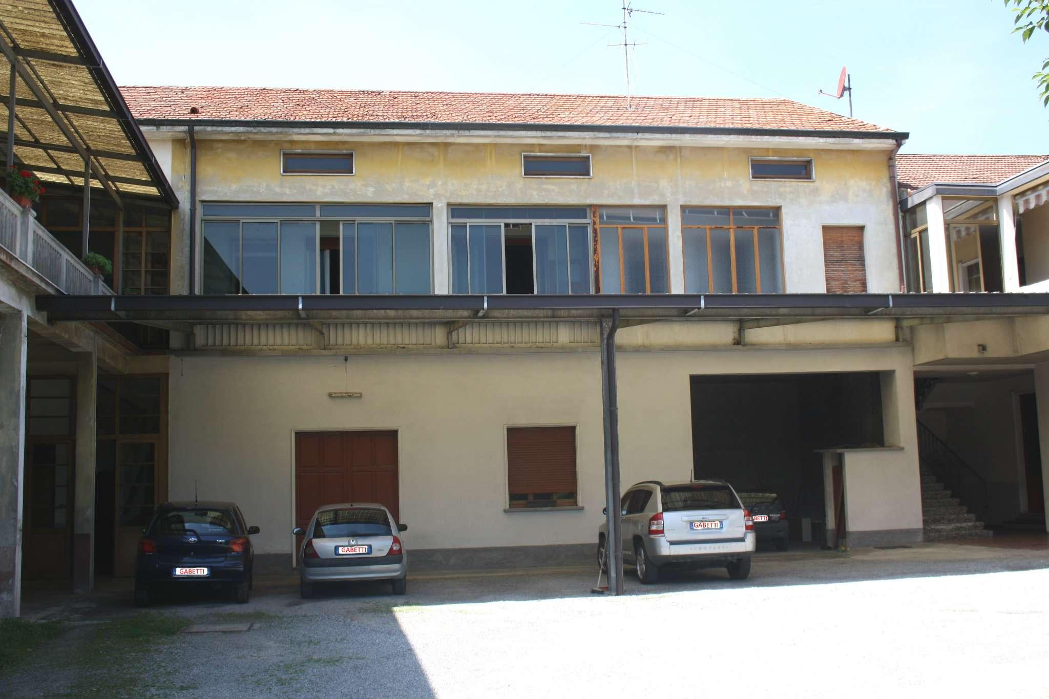 Rustico / Casale in vendita a Cesano Maderno, 3 locali, prezzo € 95.000 | CambioCasa.it