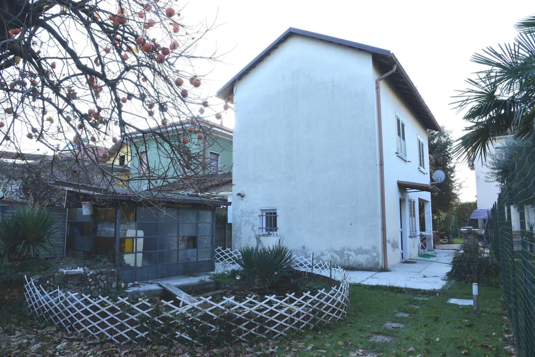 Villa in affitto a Cesano Maderno, 3 locali, prezzo € 800 | CambioCasa.it