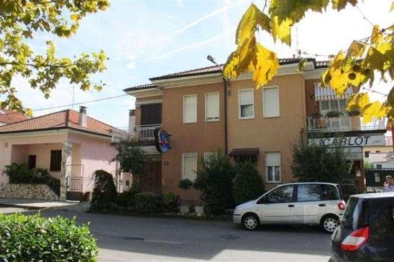 Soluzione Indipendente in vendita a Cesano Maderno, 6 locali, prezzo € 265.000 | CambioCasa.it