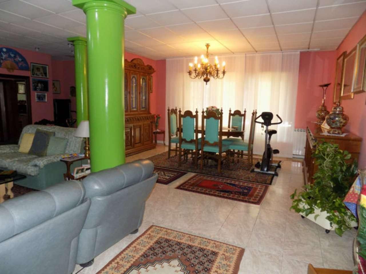Villa Bifamiliare in Vendita a Senago
