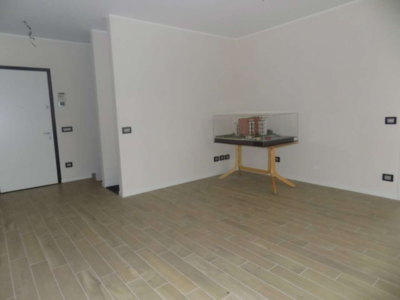 Appartamento in vendita a Garbagnate Milanese, 3 locali, prezzo € 320.000 | CambioCasa.it