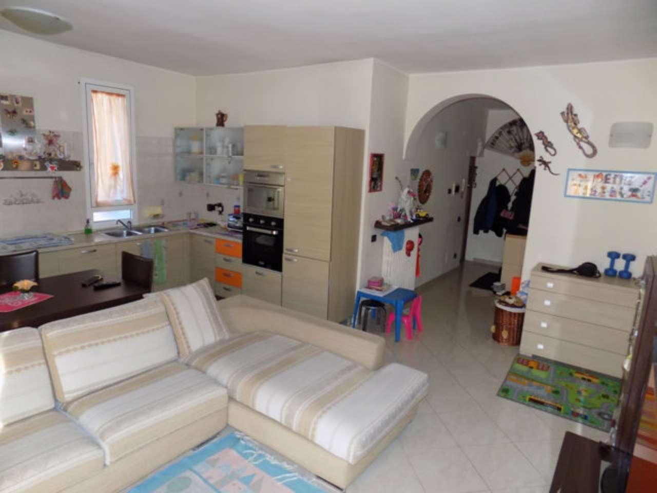 Appartamento in vendita a Senago, 2 locali, prezzo € 78.000 | CambioCasa.it