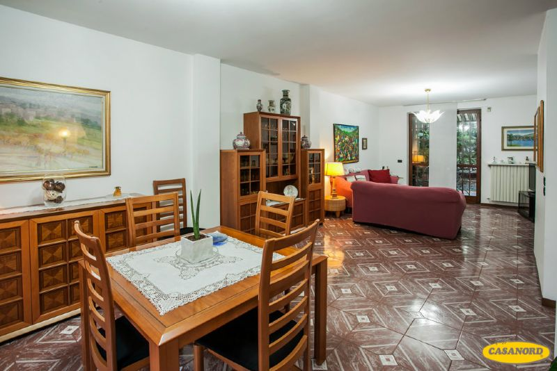 Villa in vendita a Cernusco sul Naviglio in Via Monza