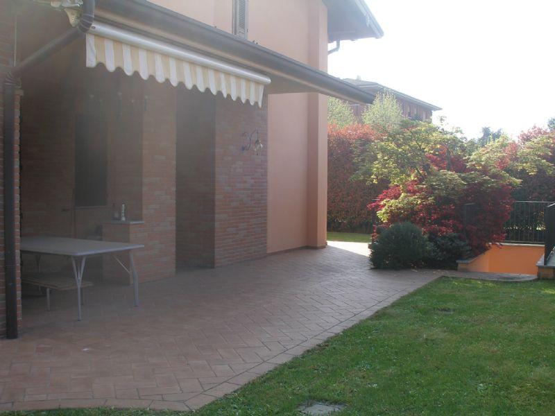 Villa in vendita a Cernusco sul Naviglio, 5 locali, prezzo € 950.000 | Cambio Casa.it