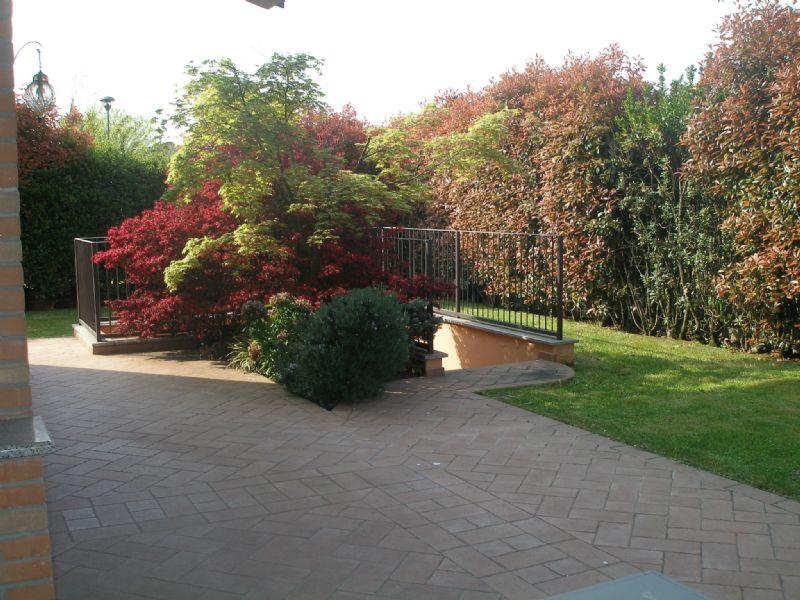 Villa in vendita a Cassina de' Pecchi, 5 locali, prezzo € 950.000   Cambio Casa.it
