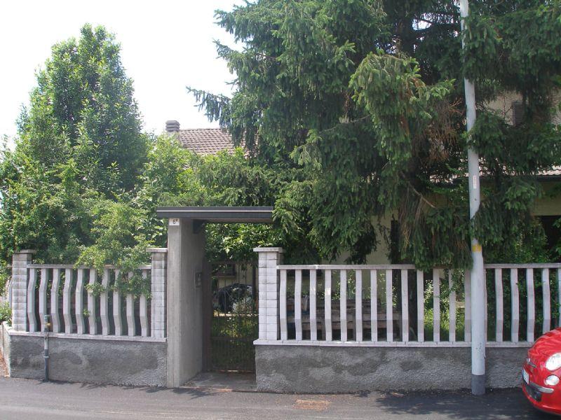 Villa Bifamiliare in vendita a Cassina de' Pecchi, 6 locali, prezzo € 450.000   Cambio Casa.it