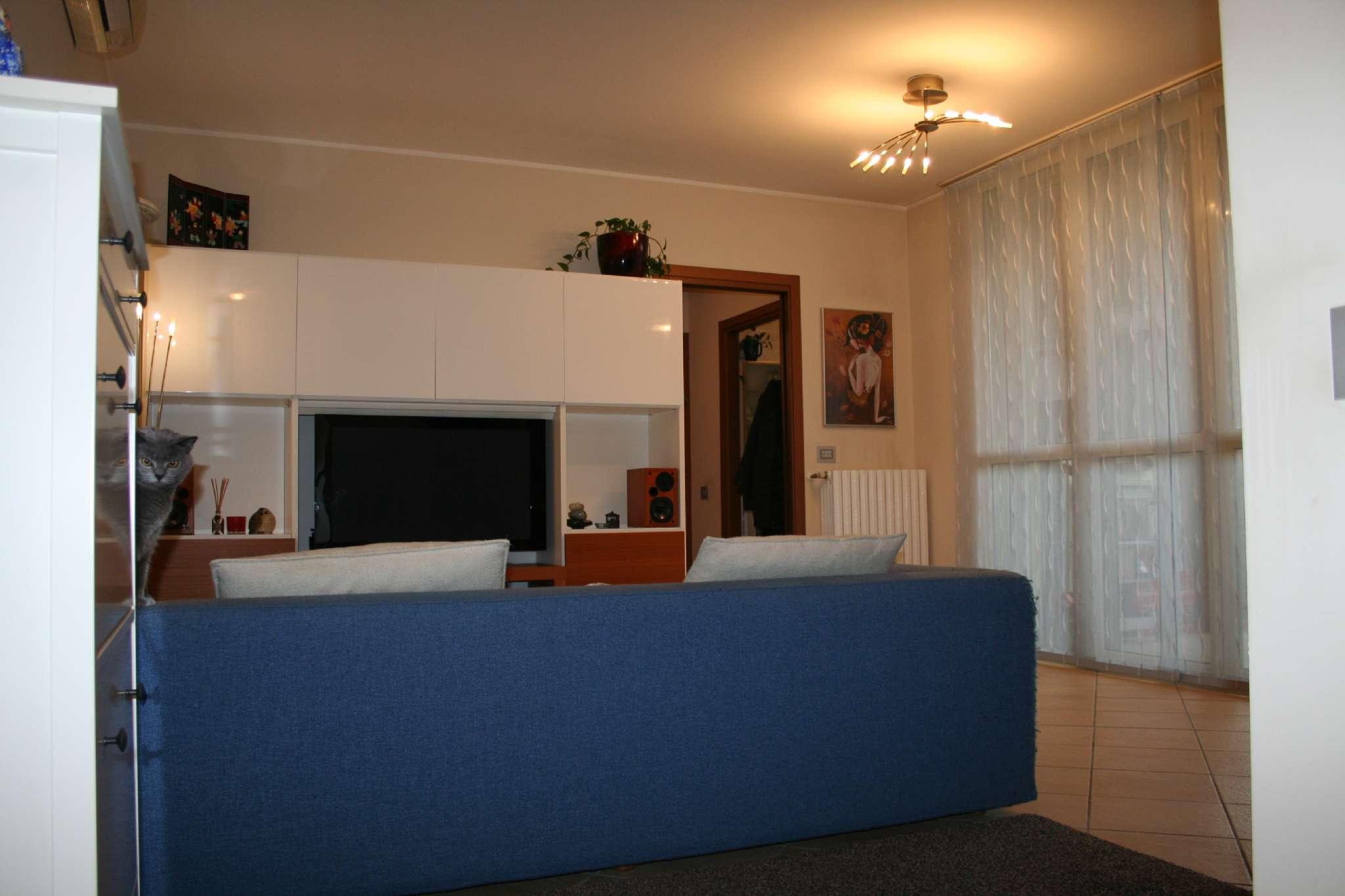 Appartamento in vendita a Rodano, 4 locali, prezzo € 240.000 | Cambio Casa.it