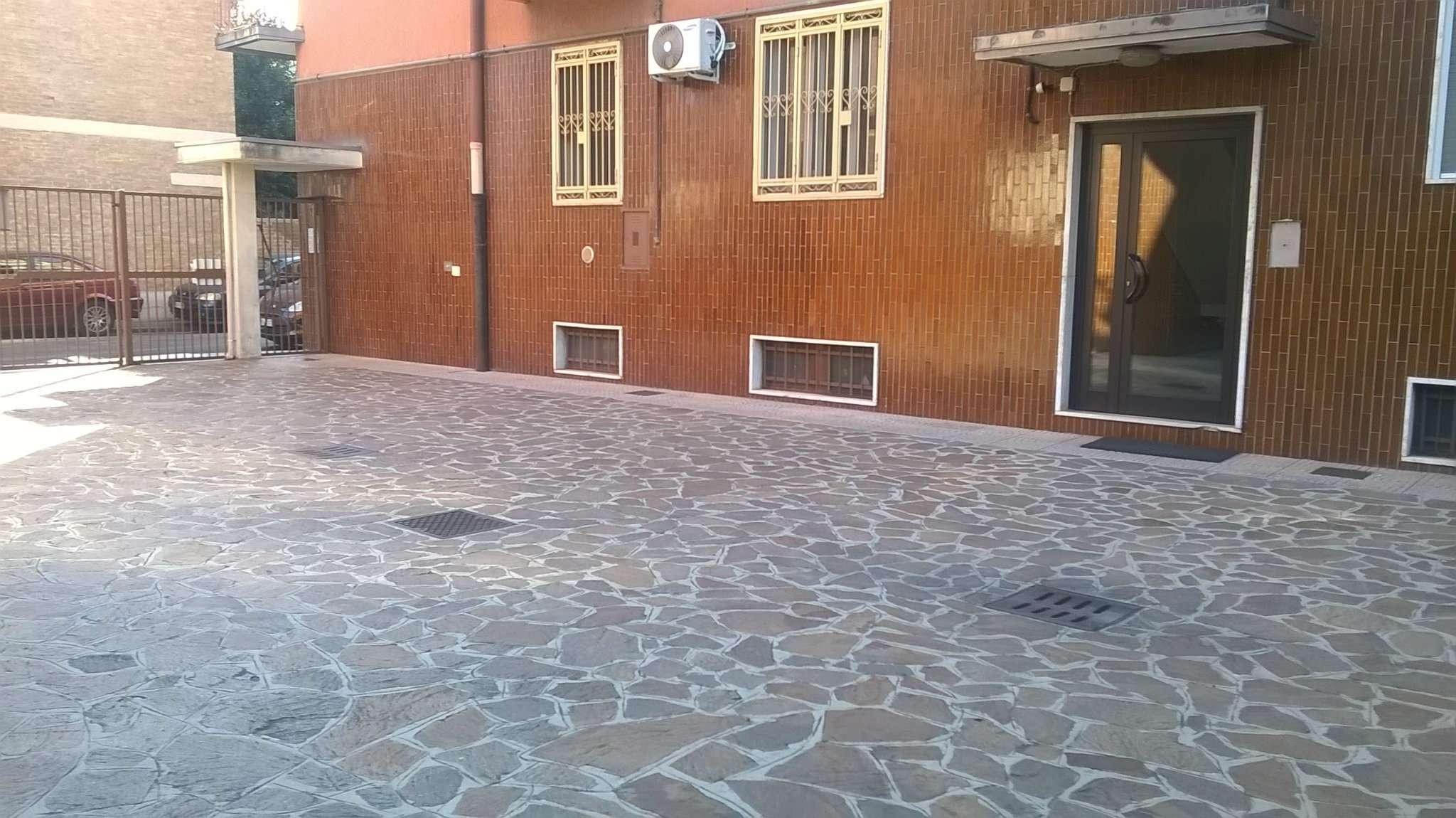 Bilocale Pioltello Via Castagno 2