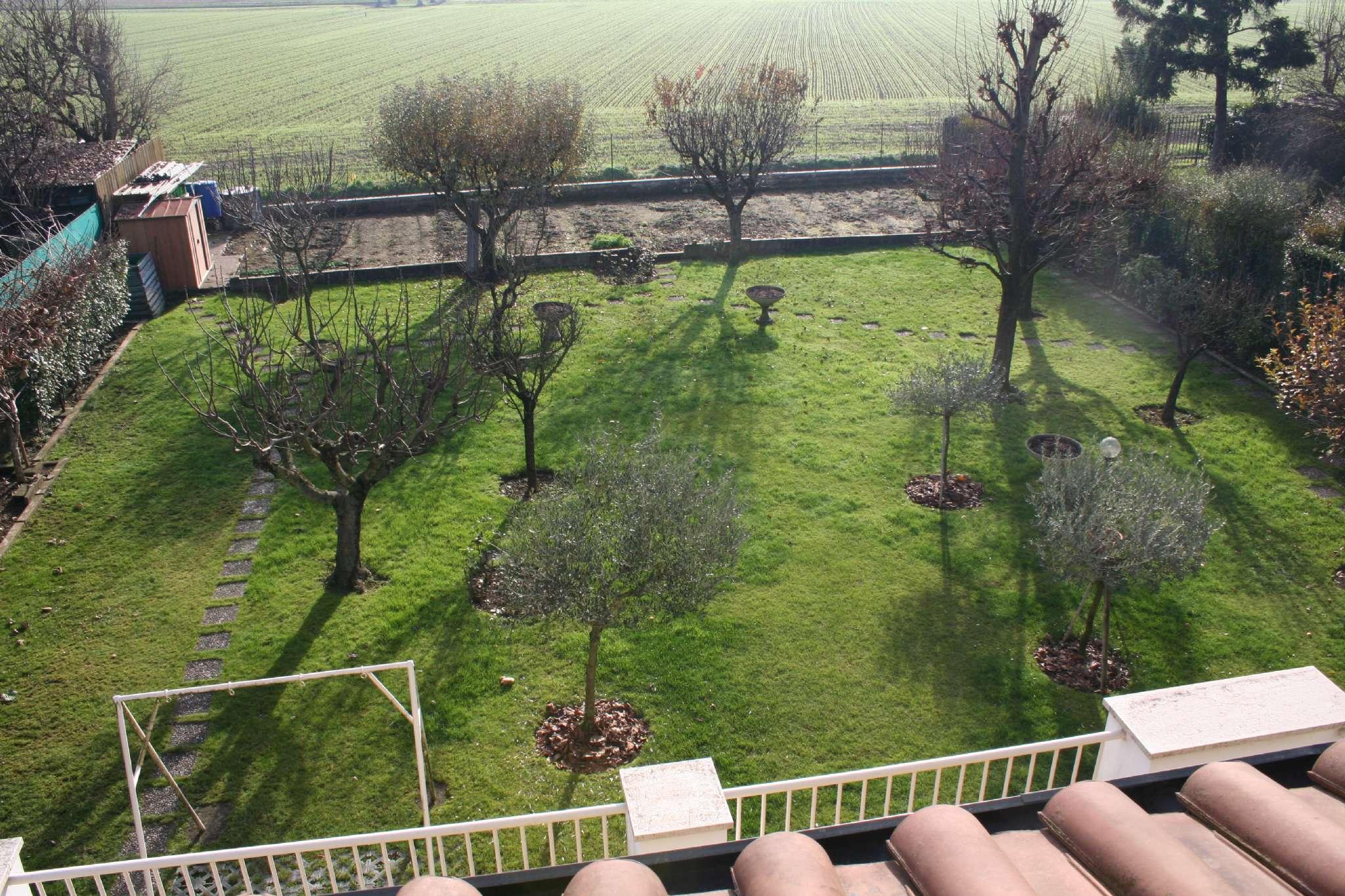 Villa in vendita a Cassina de' Pecchi, 5 locali, prezzo € 612.000 | Cambio Casa.it