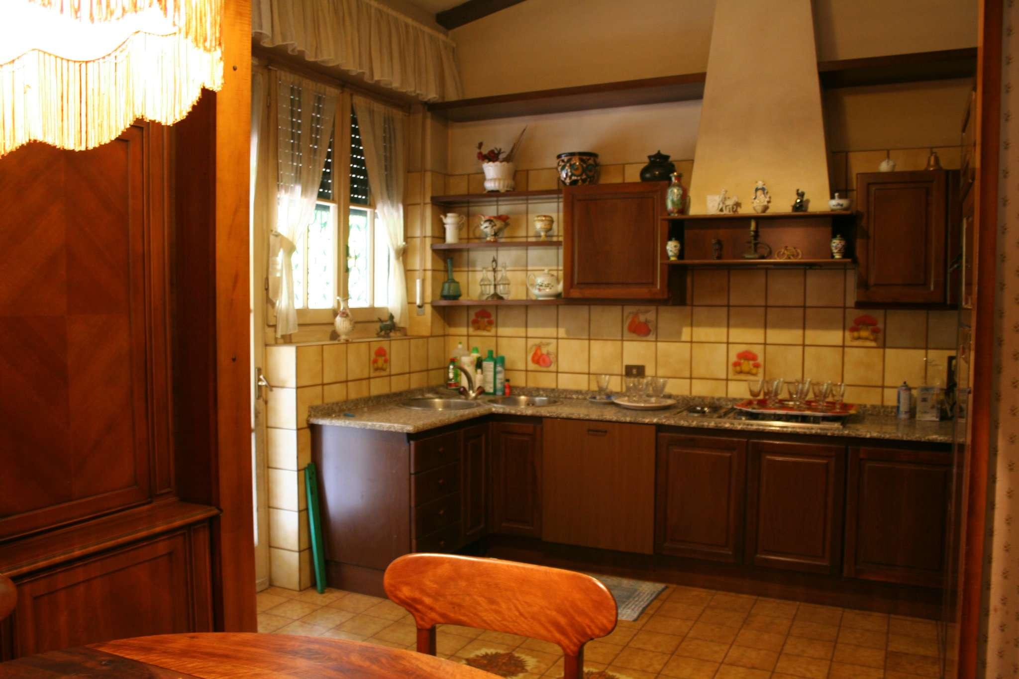 Villa in vendita a Cassina de' Pecchi, 6 locali, prezzo € 615.000 | CambioCasa.it