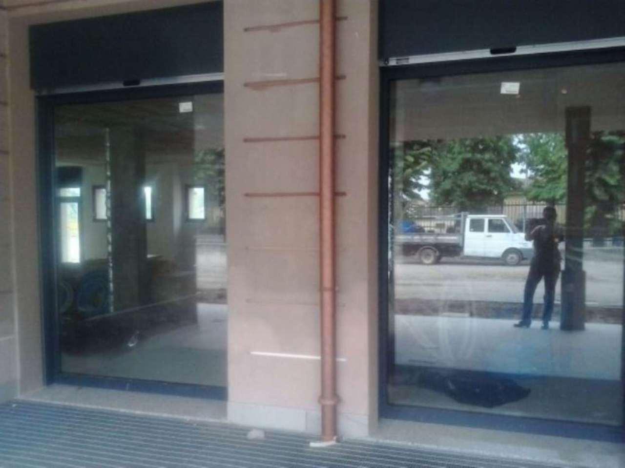 Negozio / Locale in vendita a Cassano d'Adda, 1 locali, prezzo € 278.000 | Cambio Casa.it