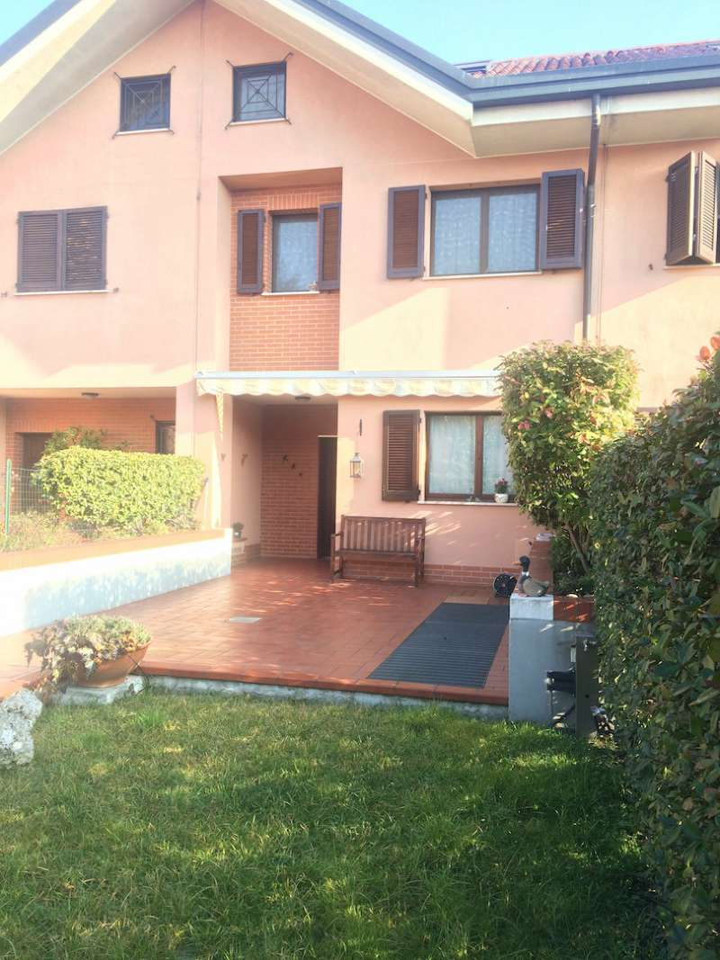 Villa in vendita a Rozzano, 6 locali, prezzo € 395.000   Cambio Casa.it