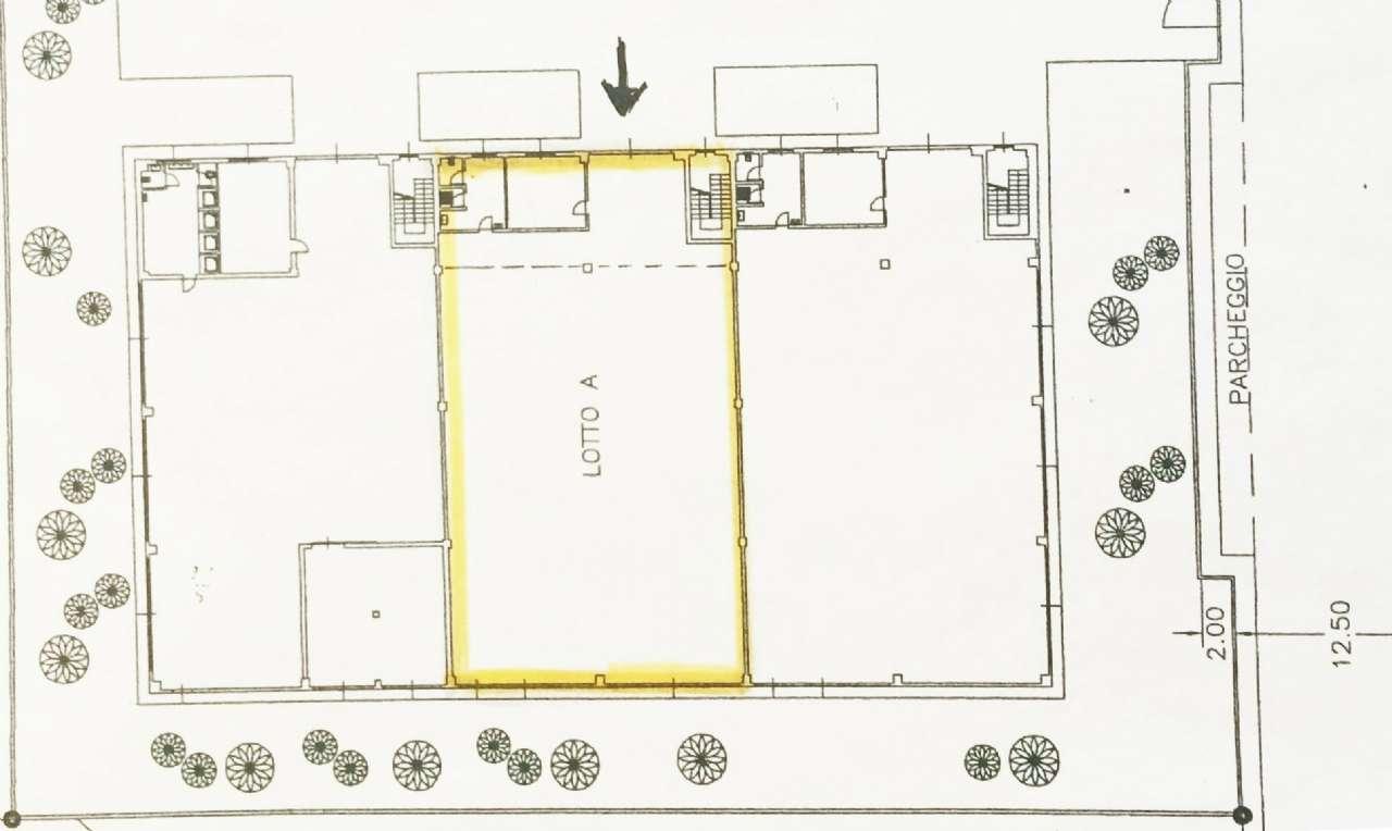 Locate di Triulzi Vendita CAPANNONE Immagine 1