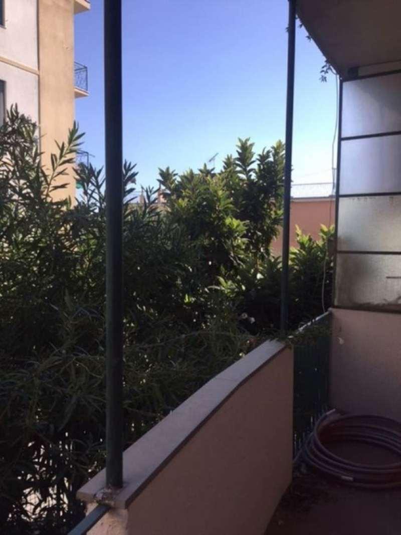 Bilocale Genova Via Capolungo 9