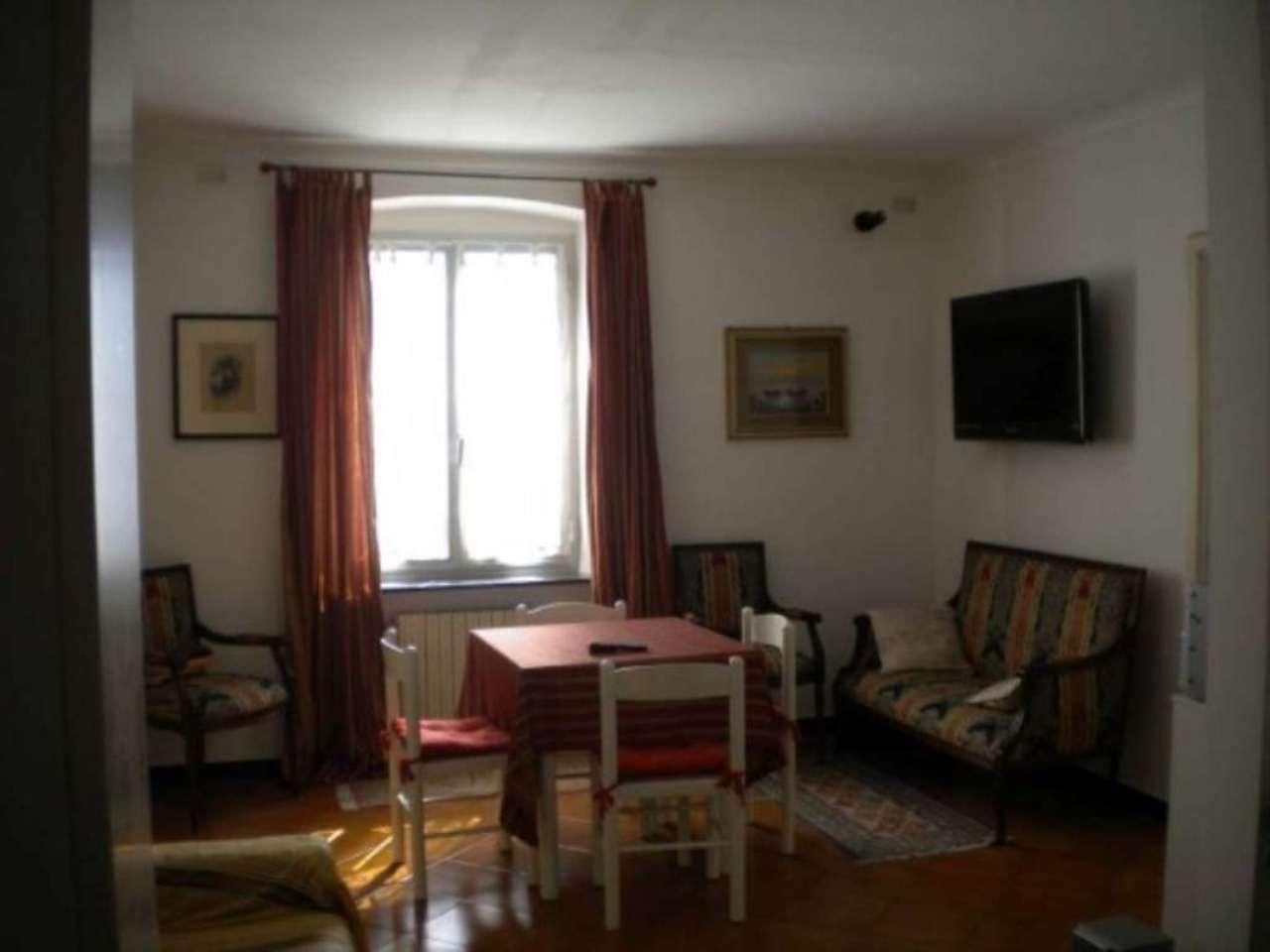 Bilocale Genova Via Dei Giardini 3