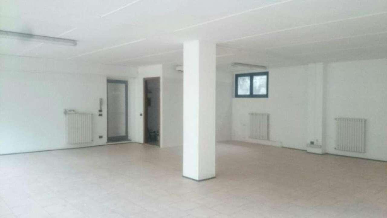 Laboratorio in affitto a Cernusco sul Naviglio, 9999 locali, prezzo € 750 | Cambio Casa.it