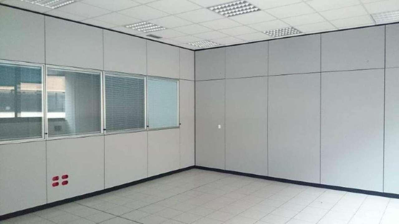 Ufficio / Studio in affitto a Vimodrone, 9999 locali, Trattative riservate | CambioCasa.it