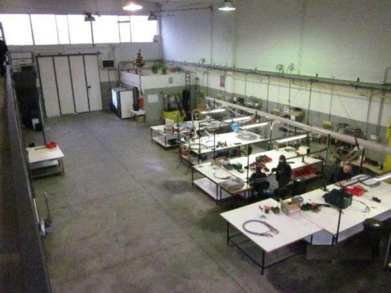 Capannone in vendita a Cassano d'Adda, 9999 locali, prezzo € 368.777 | CambioCasa.it