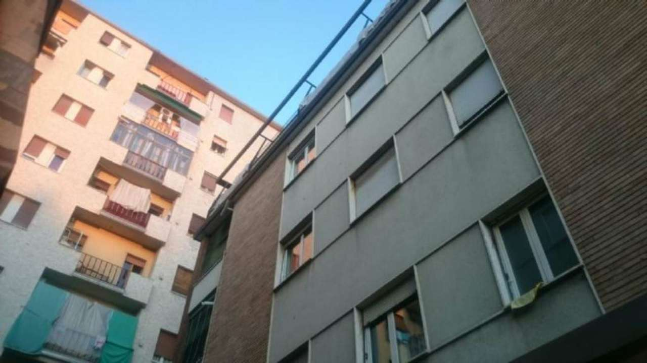 Bilocale Milano Via Padova 10