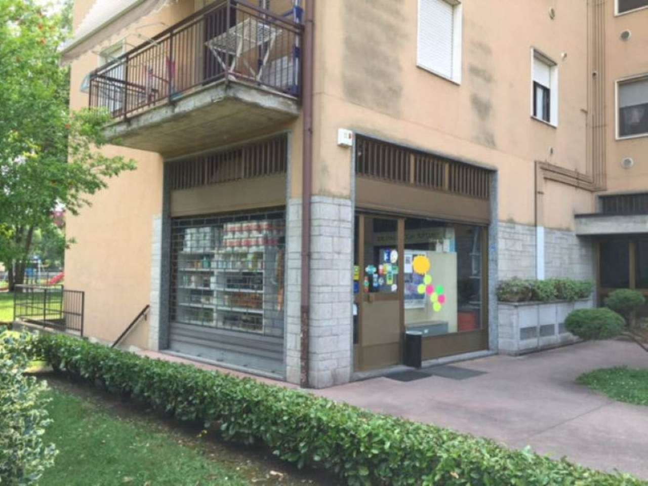 Negozio / Locale in vendita a Cassano d'Adda, 9999 locali, prezzo € 220.000 | Cambio Casa.it