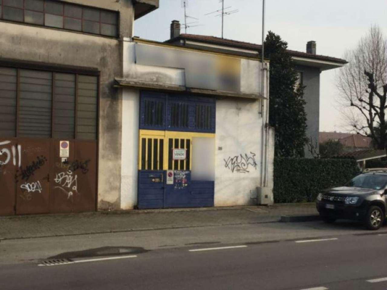 Capannone in vendita a Cassano d'Adda, 9999 locali, prezzo € 200.000 | CambioCasa.it