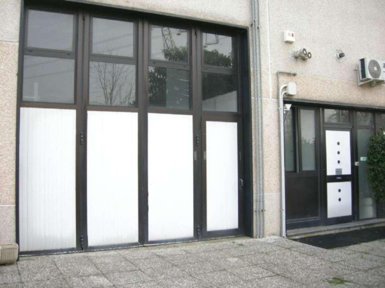 Capannone in affitto a Bussero, 9999 locali, prezzo € 800 | Cambio Casa.it