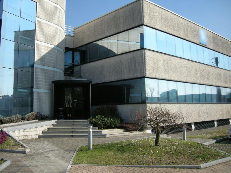Capannone in affitto a Monza, 9999 locali, zona Zona: 5 . San Carlo, San Giuseppe, San Rocco, prezzo € 12.416 | Cambio Casa.it