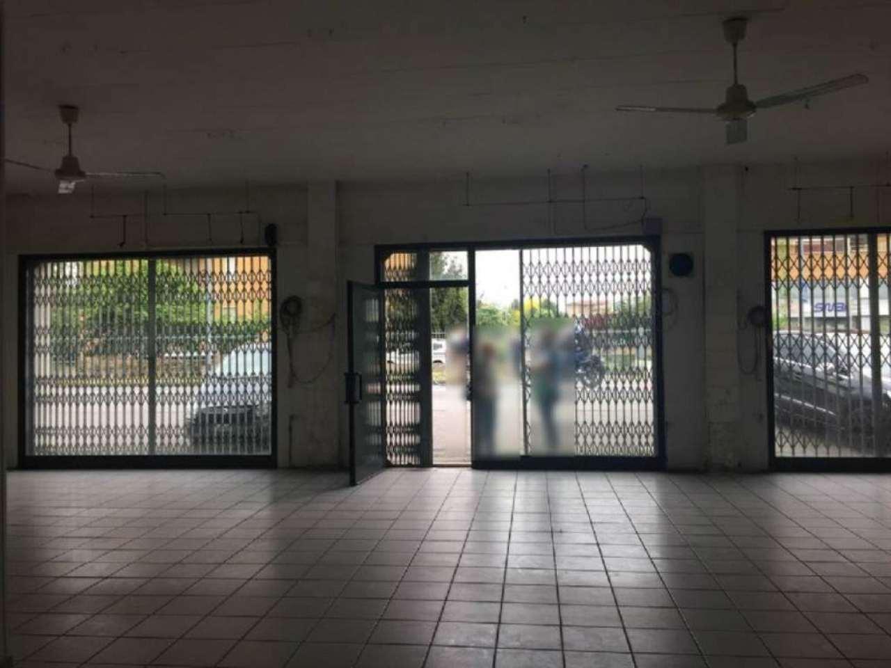 Negozio / Locale in affitto a Cassano d'Adda, 9999 locali, prezzo € 1.500 | Cambio Casa.it