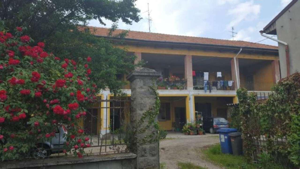 Rustico / Casale in vendita a Cernusco sul Naviglio, 9 locali, prezzo € 750.000   Cambio Casa.it