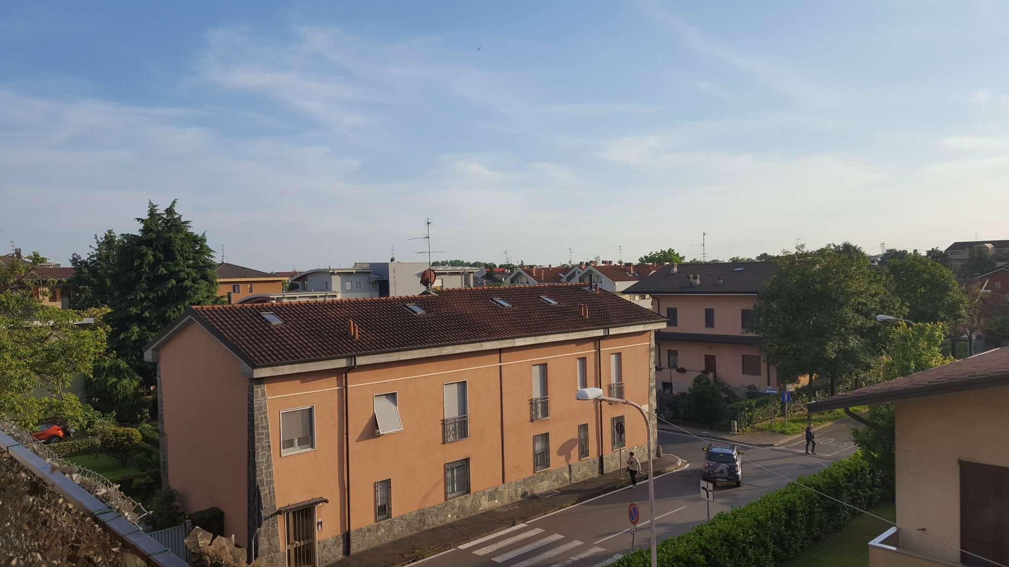 Bilocale Carugate Via Camillo Benso Cavour 4