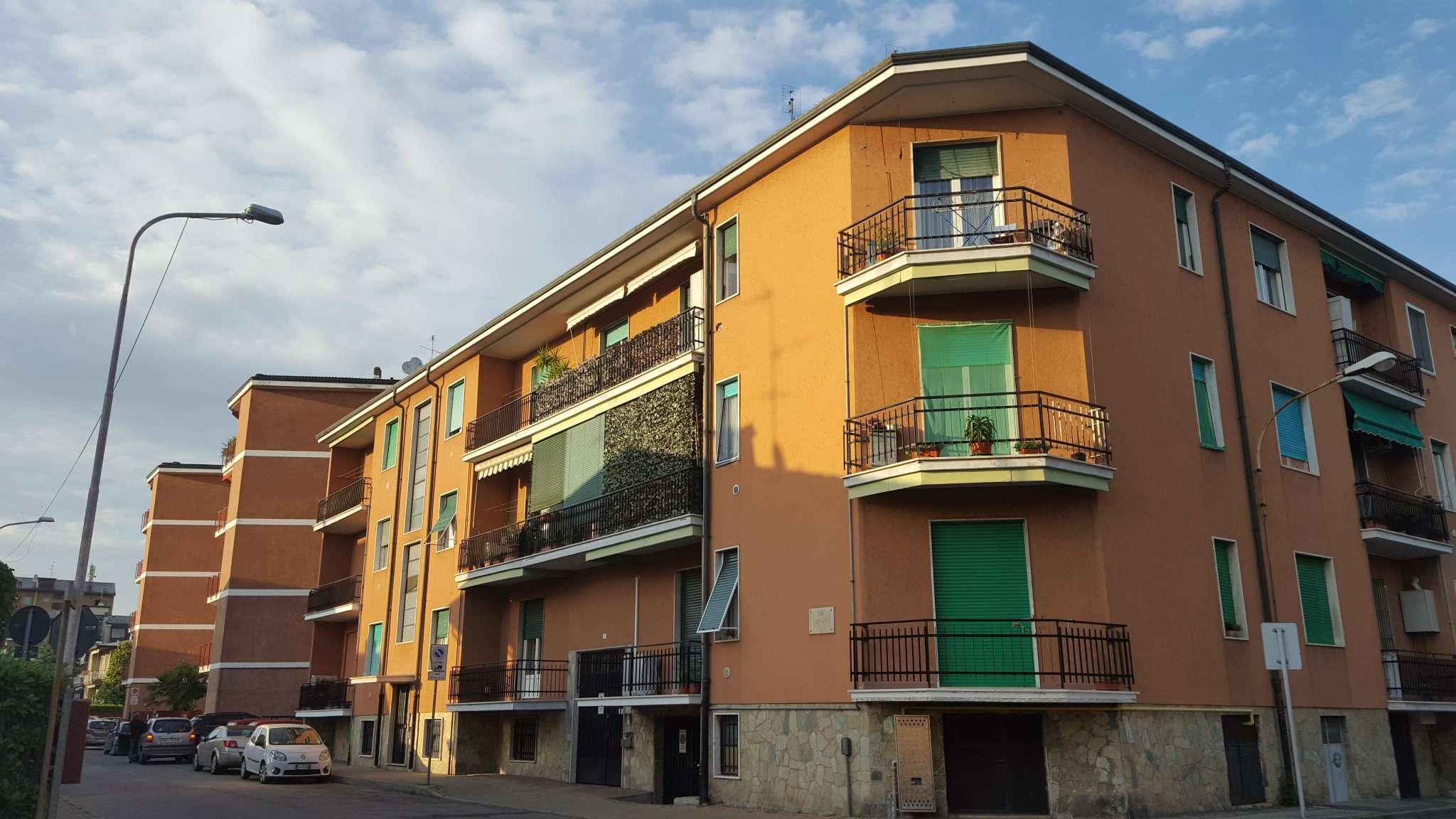 Bilocale Carugate Via Camillo Benso Cavour 5