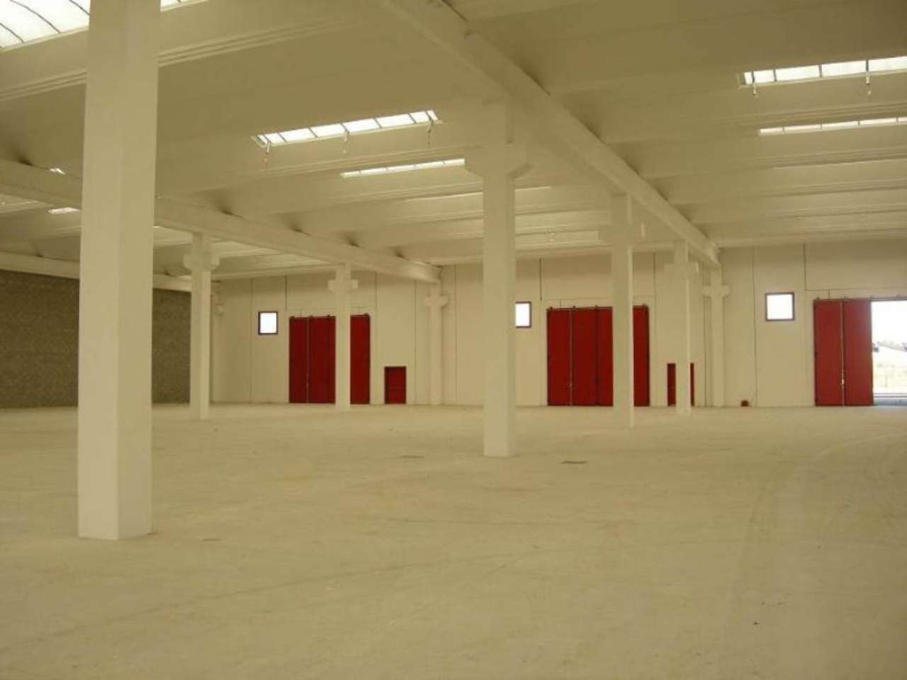 Capannone in affitto a Inzago, 9999 locali, Trattative riservate | Cambio Casa.it