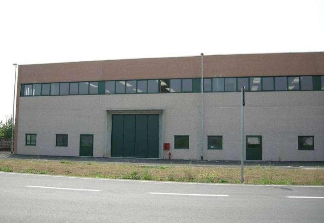 Capannone in vendita a Gessate, 9999 locali, Trattative riservate | Cambio Casa.it