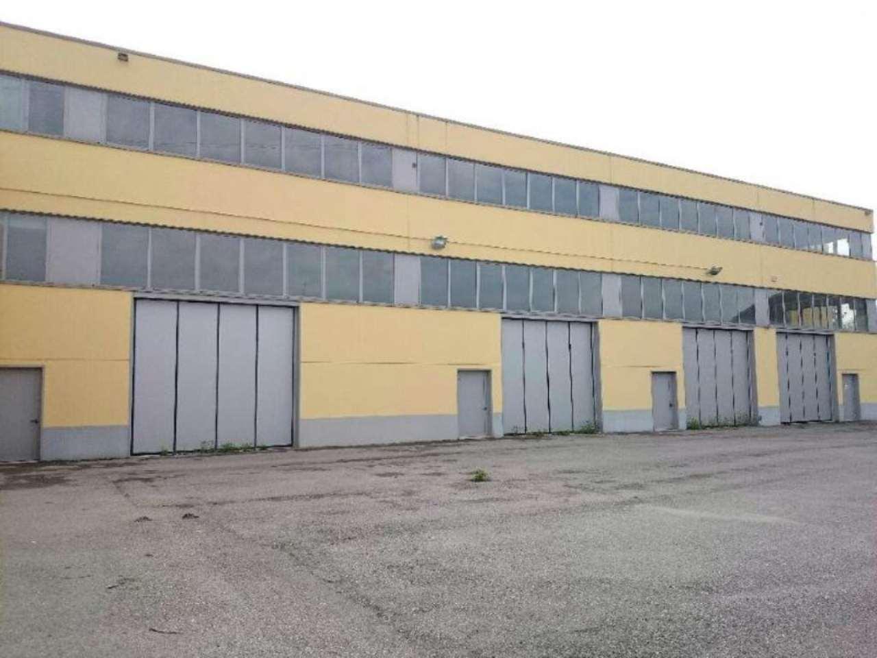 Capannone in vendita a Vimodrone, 9999 locali, Trattative riservate | Cambio Casa.it