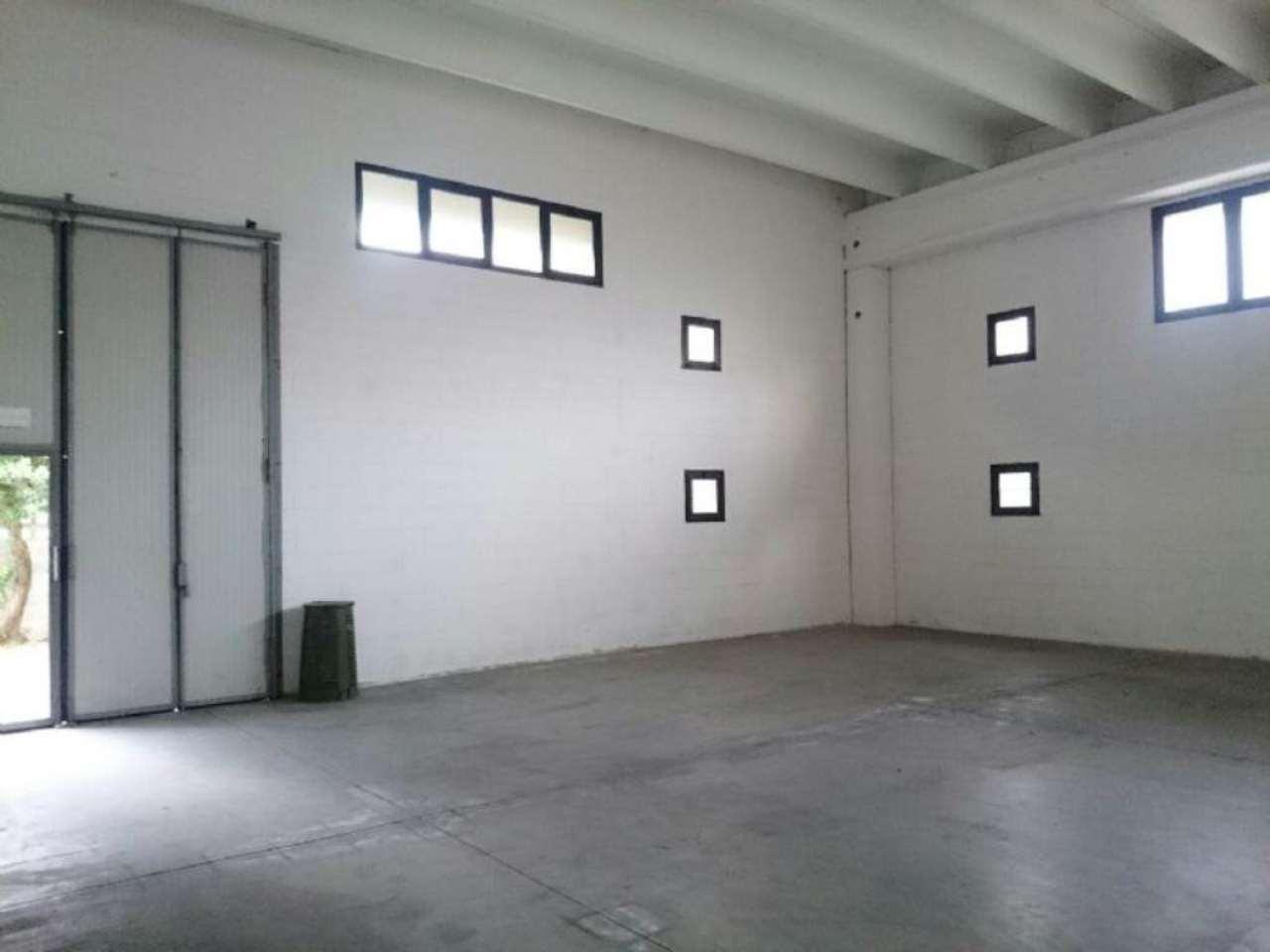 Capannone in affitto a Cernusco sul Naviglio, 9999 locali, Trattative riservate | Cambio Casa.it